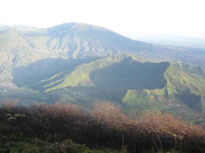 view dari gunung sindoro