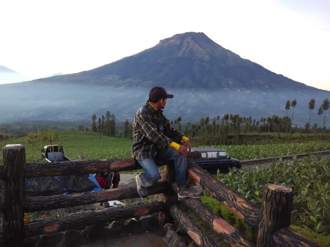 gunung sumbing  dilihat dari posong kledung
